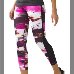 Lululemon Pink and Black Tight Wind Berry Rumble
